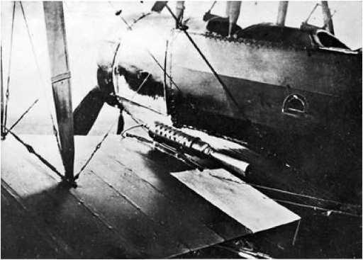 Самолёт У-1 с ракетными ускорителями.