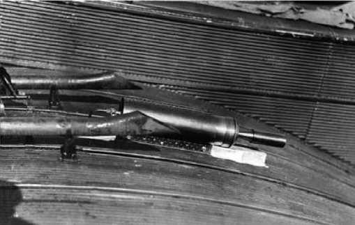 Размещение твердотопливных стартовых ракет на бомбардировщике ТБ-1.Первый вариант.