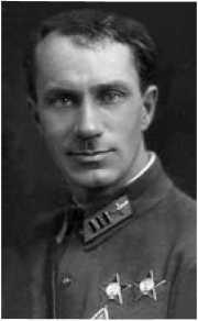 В.А. Степанчёнок, выполнивший первую в мире подцепку самолёта к самолёту в полёте.