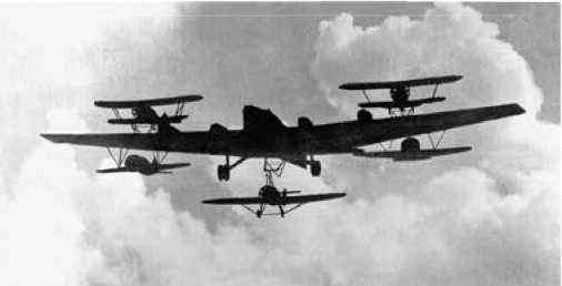 «Звено» из шести самолётов.
