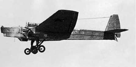 Радиоуправляемый ТБ-3 в полёте(фотомонтаж).