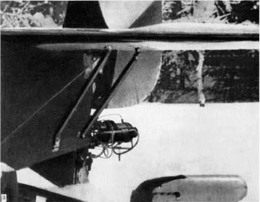 Хвостовая часть ракетоплана со снятым обтекателем двигателя.