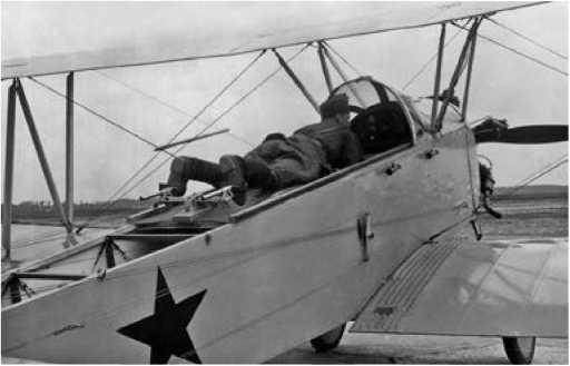 Расположение лётчика на самолёте У-2.