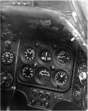 Фрагмент приборной панели самолёта ИС-1.