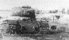 Испытания танка ИС-85 № 1 с 85-мм пушкой С-31 под Челябинском. 1943 г.