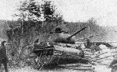 Испытания танка ИС-85 № 2 с 85-мм пушкой Д-5Т под Челябинском. Лето 1943 г.
