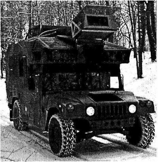 Армейский джип «Хаммер», оборудованный системой автоматической навигации, может двигаться по выбранному маршруту самостоятельно