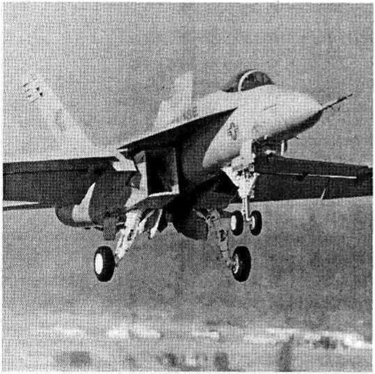 Палубные истребители-штурмовики F/A-18E и F