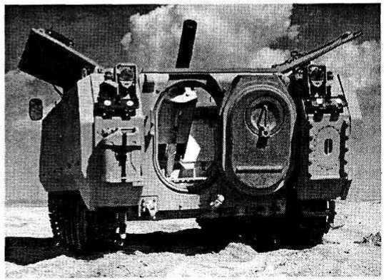 Опытный образец самоходного плавающего 120-мм миномета AMV