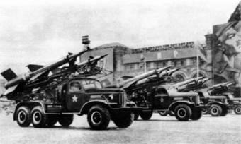 Транспортно-заряжающая машина комплекса С-125