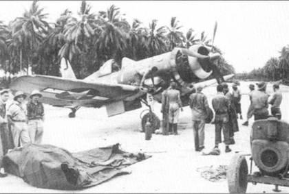 Истребитель F4U-1A Bu№17656 с бортовым номером «5» лейтенанта Тома Киллифира. Снимок сделан на острове Ниссан (группа Зеленых островов) куда Киллифир был вынужден приземлится после отказа двигателя в полете 5 марта 1944г. На борту фюзеляжа истребителя нанесены отметки о пяти сбитых самолетах, хотя Киллифир в то время имел на своем боевом счету 4,5 победы.