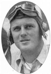 Летчик эскадрильи VMF-214 кэптен Эдвин Л. Олэндер с сентября по декабрь 1943г. одержал в воздушных боях пять подтвержденных побед и четыре вероятные (все — над «Зеро»).