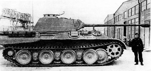 «Пантера» AusfА. Вид с правого борта.