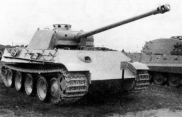 «Пантера» AusfG в музее Абердинского полигона в США. Маска пушки этого танка имеет «юбку» в нижней части.
