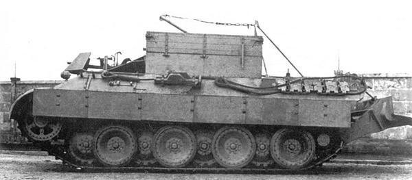 Бронированная ремонтно-эвакуационная машина Bergepanther.