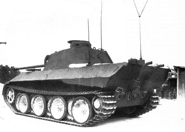 Командирский танк Sd.Kfz267, изготовленный на базе «Пантеры» модели D.