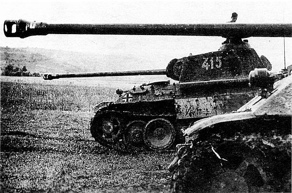 «Пантеры» AusfА к бою готовы. 1944 год.