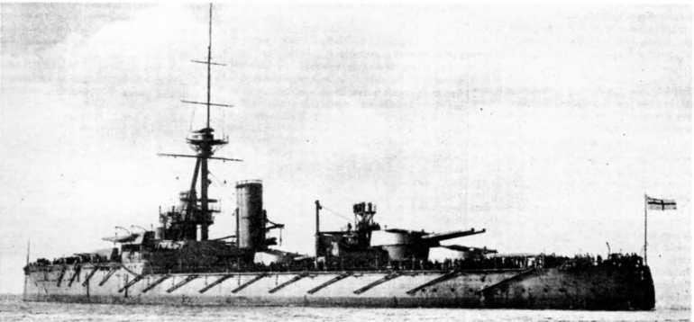 """Линейный корабль """"Орион"""" в различные периоды службы."""