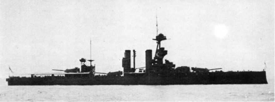 """Линейный корабль """"Айрон Дюк""""в 1938 г."""