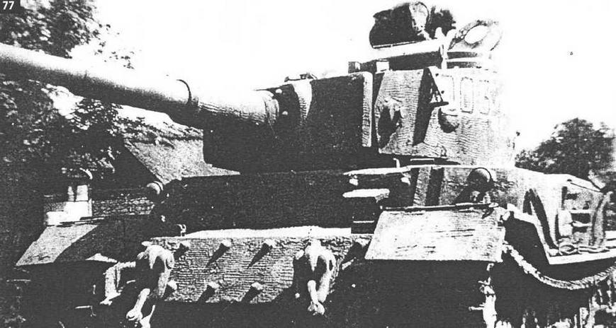 """""""Тигр"""" Ф.Порше в качестве командирской машины 653-го батальона. Галиция 1944 г."""
