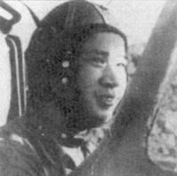 В воздушном бою над Тхуонгтрангом 8 мая 1972г. с группой «Фантомов» из 432-го тактического разведывательного авиакрыла ВВС США истребитель МиГ-21 летчики 921-го ИАП Во Си Гиапа был тяжело поврежден ракетой. Летчик пытался совершить вынужденную посадку, но в последний момент отвернул от здания школы. Летчик погиб, но дети остались живы.
