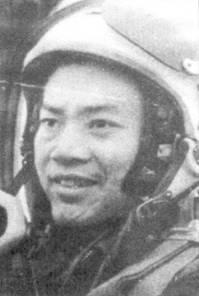 До Ван Лань из 921-го ИАН поставил рекорд но «скоростному» сбиванию «Фантомов»: с 20 мая по 9 сентября 1972г. он сбил четыре самолета данного тина. Всего До Ван Лань одержал в воздушных боях шесть побед.