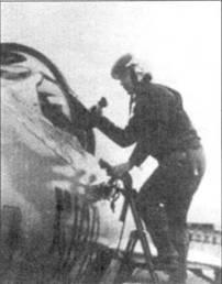 До Ван Лань забирается в кабину истребителя МиГ-21МФ, середина 1972г. 21 июня 1972г. летчик одержал свою третью победу — сбил одной ракетой К-13 истребитель-бомбардировщик F-4E Bu№69-0282 из 334-й эскадрильи 8-го тактического истребительного авиакрыла. Летчик «Фантома» капитан А. Роуз и оператор БРЭО 1-й лейтенант II.А. Кэллэгэн после катапультирования попали в плен.