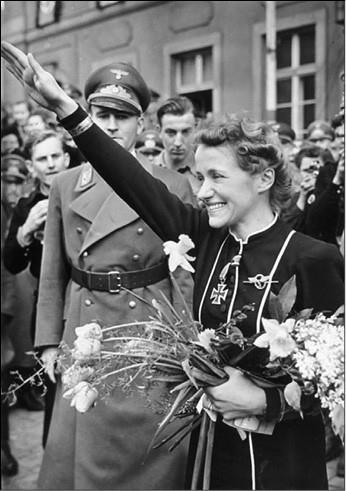 Ханна Райч. Фото 1940-х гг.