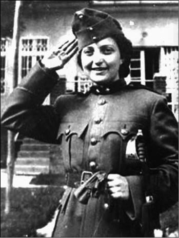 Ханна Сенеш. Фото 1940-х гг.