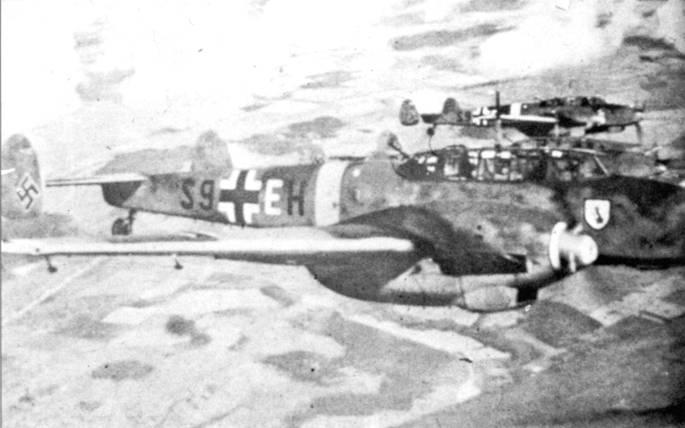 Истребители-бомбардировщики Bf. 110F-1 из I/SKG-210 в полете, Восточный фронт, лето 1942 г.