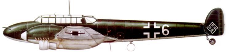 Bf. 110B-З из Zerstцrerschulen, Нанси, Франция, 1940 г. Самолет сверху целиком окрашен в оливково-зеленый цвет.