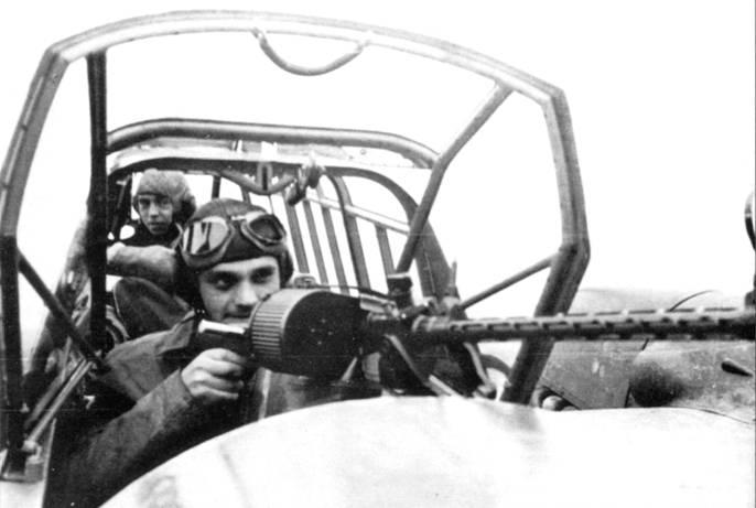 Самолеты I./ZG-76 рассредоточились по северо-западной стороны аэродрома, а воздушные стрелки приготовились открыть огонь по норвежцам.