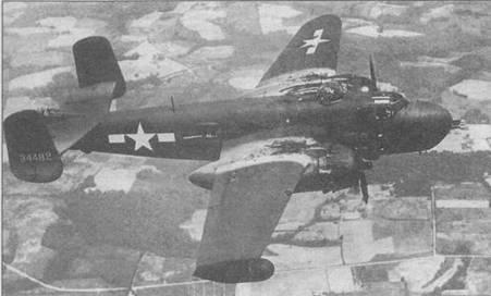 PBJ-1H (43-4482) в полете, 1944 год. Вместо оконцовки правого крыла установлен радар A N/A PG-23. Остался незакрашенный серийный номер USAAF.