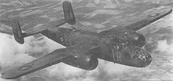 «Mitchell II» из 180-й эскадрильи RAF в английском камуфляже Dark Earth/Dark Green/Sky. Литеры тактических обозначений красного цвета. «Fin flash» нанесен на обе стороны хвостовых шайб.