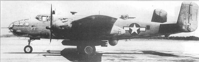 PBJ-1D «Jonah», использовавшийся для испытаний, о чем свидетельствуют литеры «FT» на носу. Пою фюзеляжем подвешена торпеда <a href='https://arsenal-info.ru/b/book/3802455064/13' target='_blank'>Мк 13</a>, а вместо нижней турели установлен обтекатель радара. Самолет в камуфляже типичном для первых PBJ-1 — Dark Gull Gray/Son-Specular While.