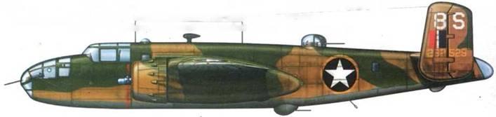 B-25C-15-NA «8S» (42-32529) из 488th BS. 340th BG. Северная Африка. 1943 год. Камуфляж Olive Drab/Sand/Neutral Gray. Вокруг опознавательного знака желтая кайма, сделанная вручную широкой кистью. На шайбе хвоста «fin flash», нанесенный так. чтобы не закрывать радиопозывной.