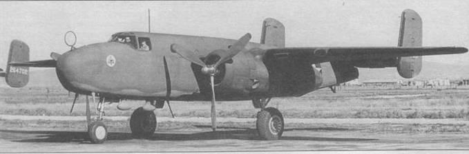 Первый В-25 (40-2165), переделанный в транспортный самолет RB-25. На носу видна круглая антенна радиопеленгатора.