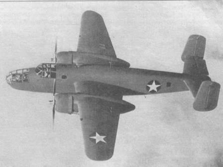 Новый B-25A-NA в полете. На самолете еще нет никаких обозначений кроме опознавательных знаков.