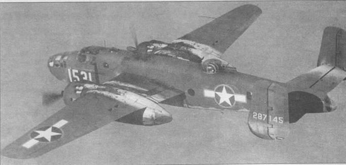 В-251)-25-УС (42-87145) из 377th BS(M), 309th BG в воздухе над армейским аэродромом Коламбия-Филд (Южная Каролина). Опознавательные знаки с красным кантом официально существовали с июня 1943 по сентябрь 1943 года.