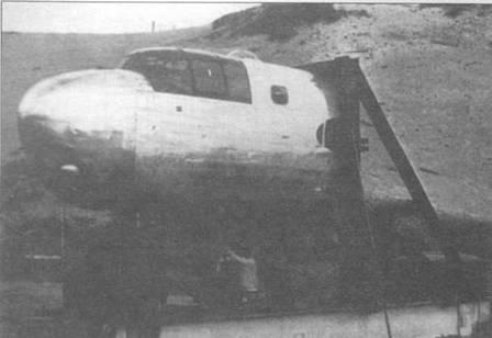 Установка пушки М4 калибра 75 мм в носовой части самолета В-25.