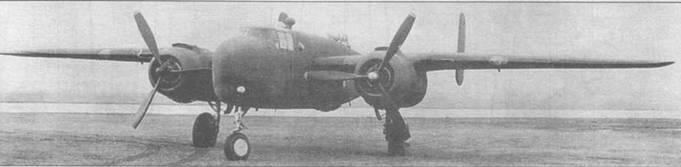 XB-25G (41-13296), переделанный из последнего серийного В-25С-1. Обратите внимание на желтый колпак на стволе 75-мм пушки, выступающий за пределы фюзеляжа самолета. На серийных машинах такой колпак отсутствовал.