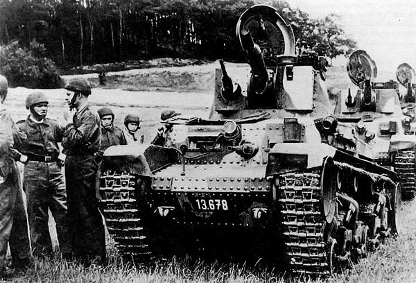 Танки LT vz.35 на маневрах чехословацкой армии. 1937 год.