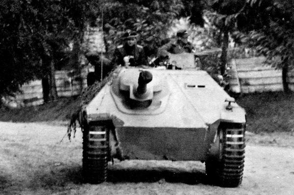 Jagdpanzer 38 Hetzer из состава 8-й кавалерийской дивизии СС «Флориан Гейер». Восточный фронт, 1944 год.