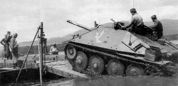 Истребитель танков ST-I на маневрах Чехословацкой народной армии. Начало 1950-х годов.