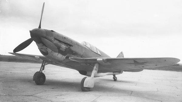 ЛаГГ-3 29-й серии с мотором М-105ПФ на испытаниях в мае 1942г.