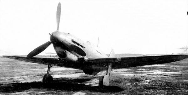 ЛаГГ-3 №31213445 с мотором М-105ПФ и винтом ВИШ-105СВ. Он был вооружён пушкой НС-37 и пулемётом БС. Государственные испытания, август 1942г.