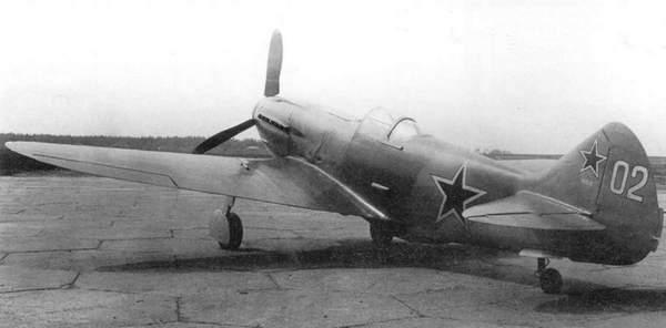 Самолёт «105-2» с мотором М-105ПФ-2 и винтом ВИШ-105СВ на испытаниях, 1944г.