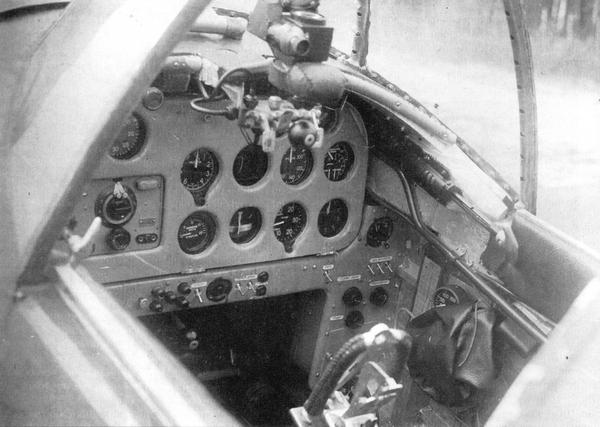 Приборная доска (истребитель 7-й серии).