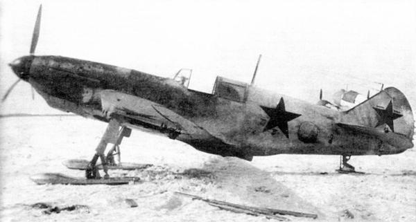 ЛаГГ-3, вооружённый РС-82 и установленный на лыжи, весна 1942г.