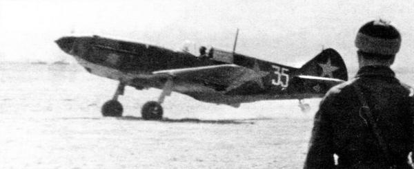 ЛаГГ-3 на фронтовом аэродроме, май 1942г.